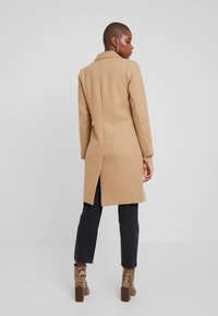 Abercrombie & Fitch - DAD COAT - Cappotto classico - brown plaid - 2