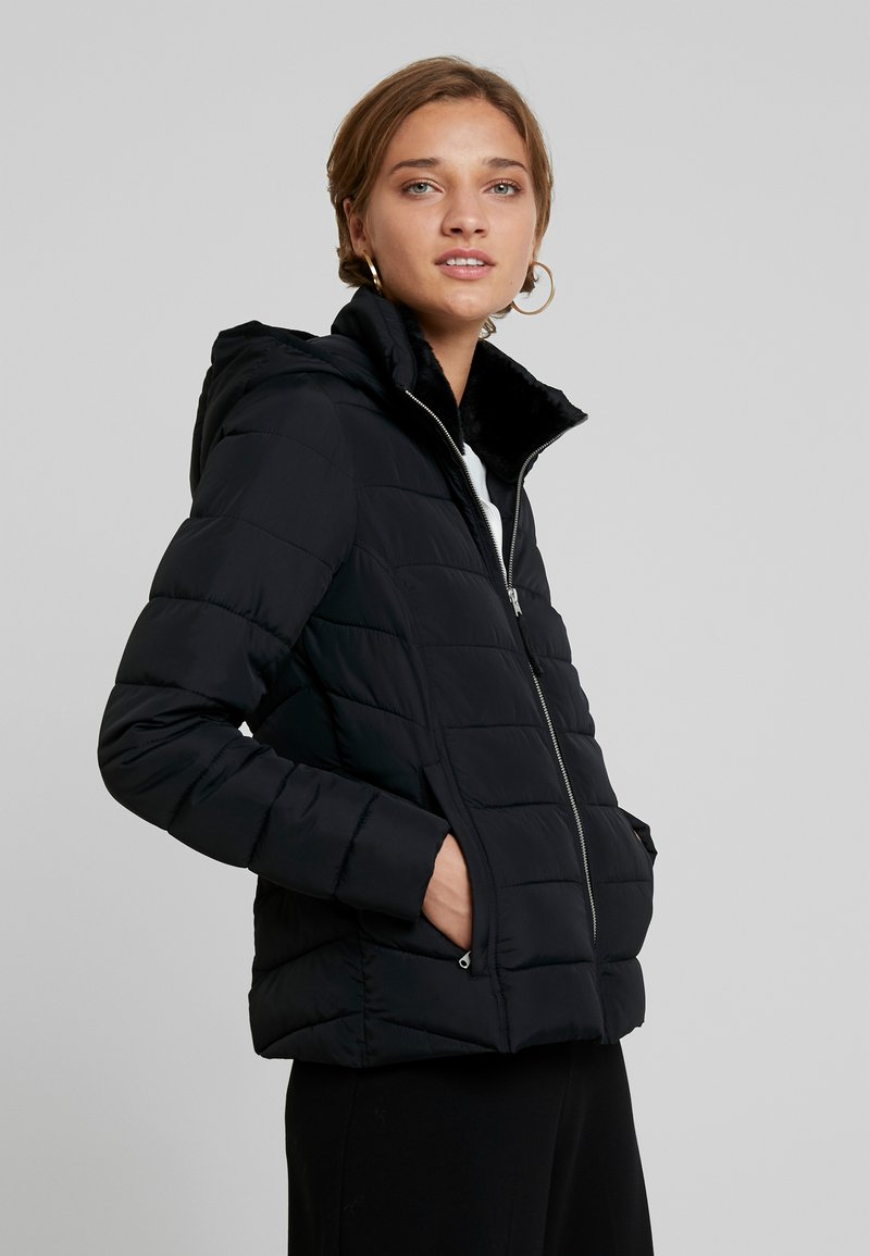 Abercrombie & Fitch - LIGHTWEIGHT PUFFER - Light jacket - black