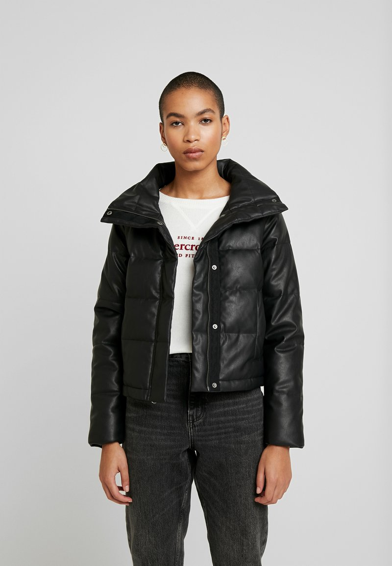 Abercrombie & Fitch - PUFFER - Jas - black
