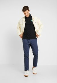 Abercrombie & Fitch - SKINNY - Chinos - navy - 1