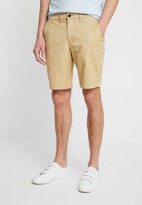 Abercrombie & Fitch - IN NEUTRALS - Shorts - light khaki - 0