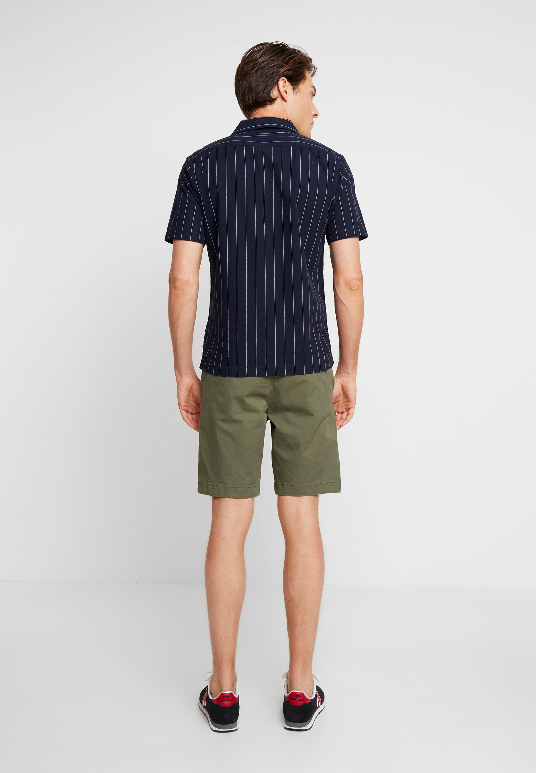 Abercrombieamp; In Beetle Fitch In NeutralsShort Abercrombieamp; Fitch LMqGUpzVjS