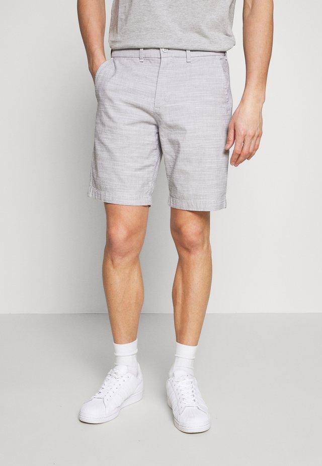 TEXTURE - Shorts - grey/white
