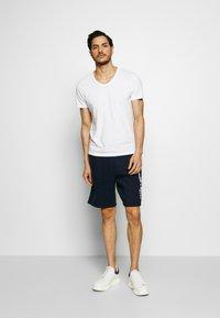Abercrombie & Fitch - HERITAGE LOGO SHORT - Shorts - blue - 1