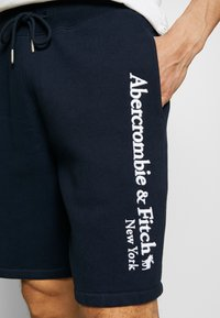 Abercrombie & Fitch - HERITAGE LOGO SHORT - Shorts - blue - 5