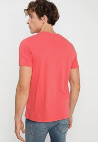 Abercrombie & Fitch - 3 PACK - T-shirt basic - red - 2