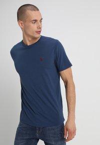 Abercrombie & Fitch - 3 PACK - Camiseta básica - blue/white/grey - 4