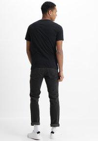 Abercrombie & Fitch - POP ICON CREW - Basic T-shirt - black - 2