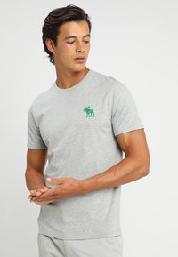Abercrombie & Fitch - TRIPPLE EXPLOIDED ICON  3 PACK - Print T-shirt - black/white/grey - 3