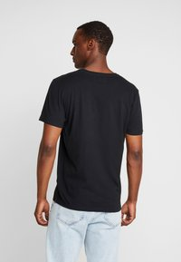 Abercrombie & Fitch - ICON VEE NEUTRAL - T-shirt basic - black - 2