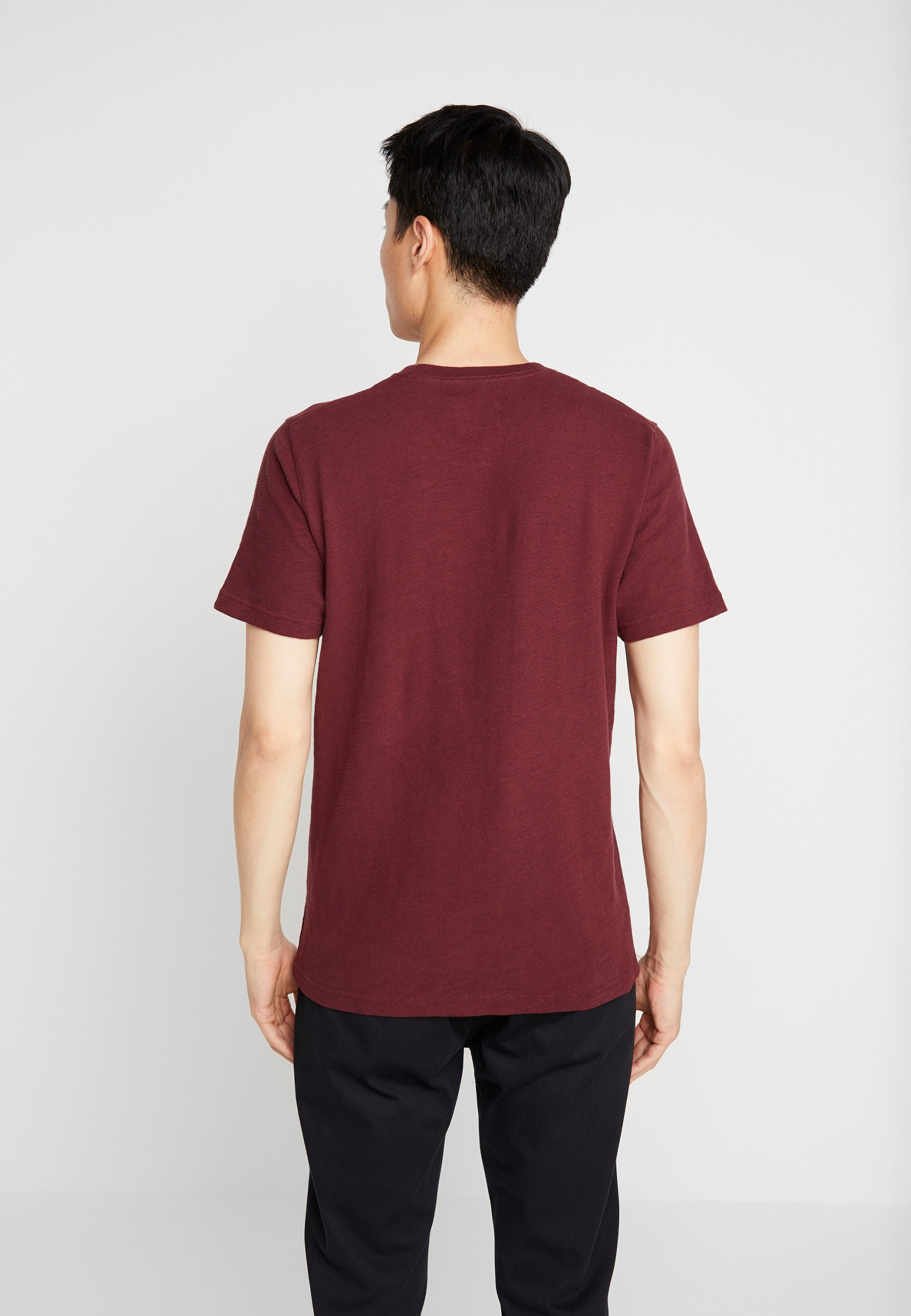 Abercrombieamp; Fitch Burg Elevated TechT shirt Imprimé 0OnP8kXw