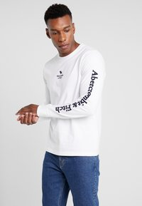 Abercrombie & Fitch - HOLIDAY PLAITED UPDATE  - Longsleeve - white - 0