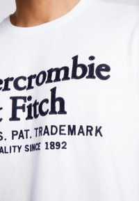 Abercrombie & Fitch - APPLIQUE HERITAGE  - T-shirt print - white - 4