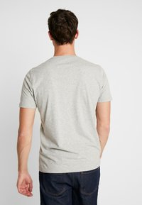 Abercrombie & Fitch - CREW 3 PACK - Basic T-shirt - red/grey/green - 2