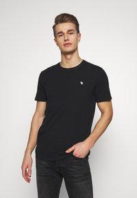 Abercrombie & Fitch - SEASONAL CREW  3 PACK - Camiseta básica - navy/blue/pink - 1