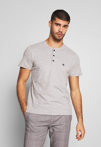 Abercrombie & Fitch - MULTIPACK - Basic T-shirt - navy/grey/white - 2