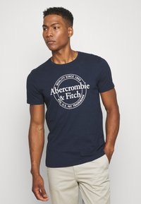 Abercrombie & Fitch - GRAPHIC CREW 3 PACK - Print T-shirt - white/navy/grey - 4