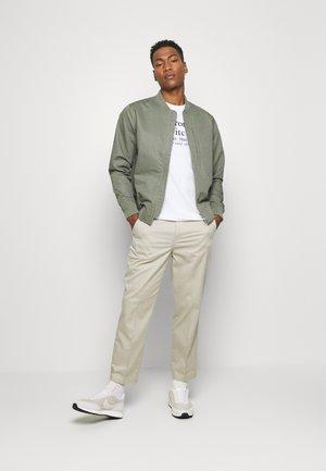 GRAPHIC CREW 3 PACK - T-shirt imprimé - white/navy/grey