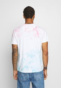 Abercrombie & Fitch - CROPABLE GRAPHIC PRIDE TEE UNISEX - Print T-shirt - white wash - 2