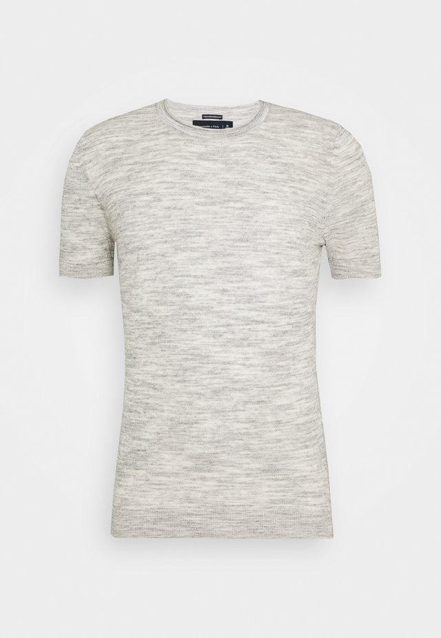 SWEATER TEE - Print T-shirt - grey