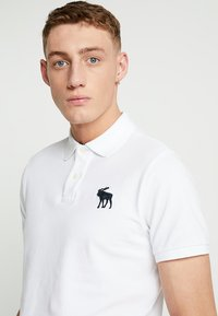 Abercrombie & Fitch - EXPLODED - Piké - white - 4