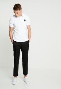 Abercrombie & Fitch - EXPLODED - Piké - white - 1