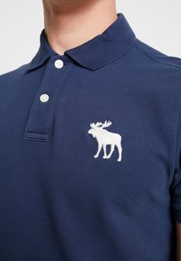 Abercrombie & Fitch - EXPLODED - Polo shirt - navy - 5