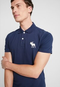 Abercrombie & Fitch - EXPLODED - Polo shirt - navy - 3