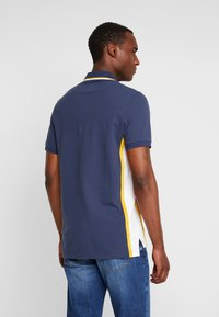 Abercrombie & Fitch - MODERN - Piké - navy/yellow - 2