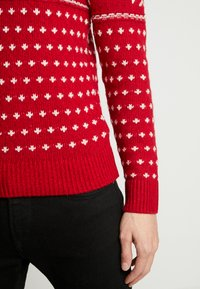 Abercrombie & Fitch - SNOWFLAKE CREW - Jumper - red and cream pattern - 3