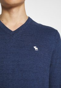 Abercrombie & Fitch - CORE ICON - Pullover - blue - 5