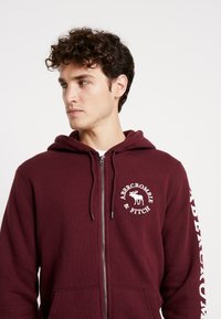 Abercrombie & Fitch - LOGOCON APPLIQUE - Collegetakki - burgundy - 3