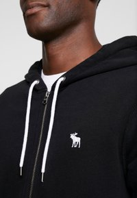 Abercrombie & Fitch - HOOD TAPE ICON FULLZIP - Mikina na zip - black - 5