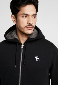 Abercrombie & Fitch - ICON INTERIOR SHERPA  - veste en sweat zippée - black - 3