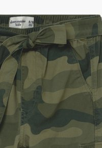 Abercrombie & Fitch - UTILITY JOGGER - Cargo trousers - olive - 3