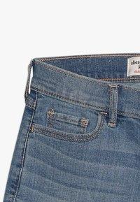 Abercrombie & Fitch - CORE - Denim shorts - medium midi - 4