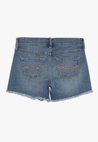 Abercrombie & Fitch - CORE - Denim shorts - medium midi - 1