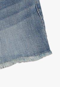Abercrombie & Fitch - CORE - Denim shorts - medium midi - 2
