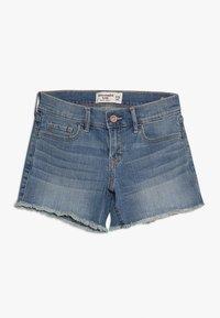 Abercrombie & Fitch - CORE - Denim shorts - medium midi - 0