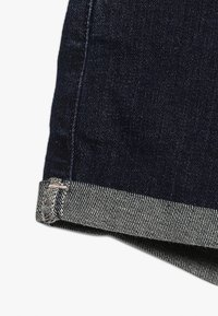 Abercrombie & Fitch - CORE - Denim shorts - rinse - 2