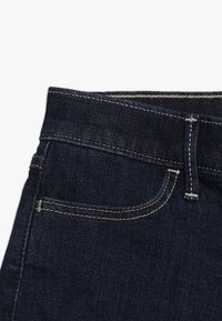 Abercrombie & Fitch - CORE - Denim shorts - rinse - 4