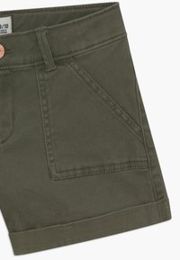 Abercrombie & Fitch - MIDI - Shorts - olive - 3