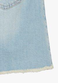 Abercrombie & Fitch - EXPOSED SHANK SKIRT  - Denim skirt - light wash - 2