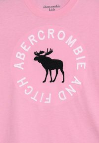 Abercrombie & Fitch - TECH CORE  - Print T-shirt - pink - 3