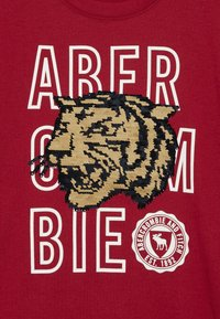 Abercrombie & Fitch - NOVELTY  - Print T-shirt - red - 3