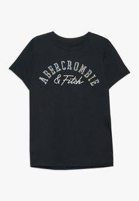 Abercrombie & Fitch - TECH CORE - Print T-shirt - navy - 0