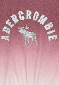 Abercrombie & Fitch - TECH CORE TIE FRONT  - Top sdlouhým rukávem - red/blue - 4