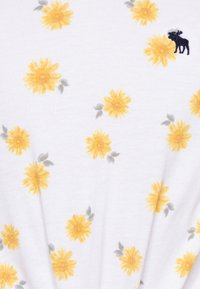 Abercrombie & Fitch - TIE FRONT - Printtipaita - white - 2