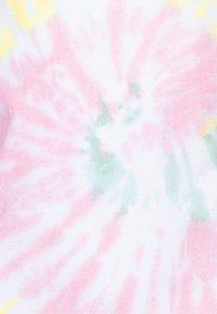 Abercrombie & Fitch - CURVE - Print T-shirt - multicolor - 2