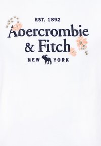 Abercrombie & Fitch - TECH CORE - T-shirt z nadrukiem - white - 2